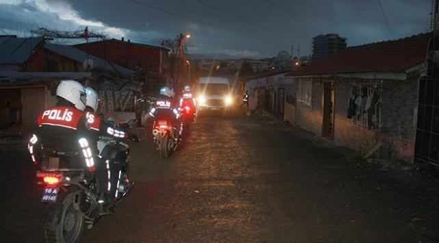 Bursa polisi uyuşturucu tacirlerine göz açtırmıyor: 12 gözaltı