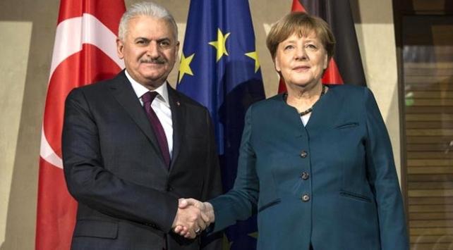 Başbakan Yıldırım ile Merkel görüşmesi başladı