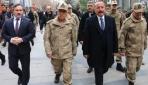 Jandarma Genel Komutanı Orgeneral Arif Çetin Siirt'te esnafı ziyaret etti