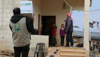 Afrinde terör örgütünden temizlenen köylere insani yardım