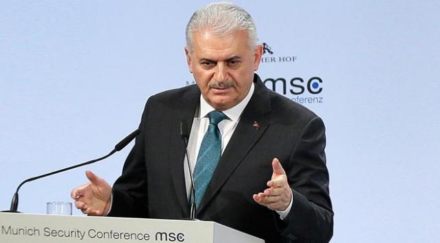 Başbakan Binali Yıldırım: Bize izin diyorsunuz, Suriyedekilerin hangisi izin aldı?