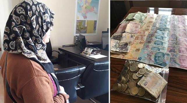 Konyada dilencinin üzerinden 6 bin 210 lira çıktı