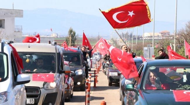 300 araçlık konvoyla Mehmetçiğe destek