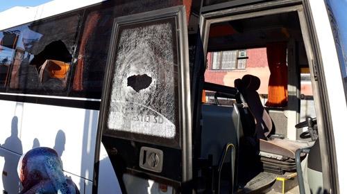 Adanada öğrenci servisine silahlı saldırı