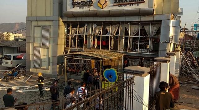 Myanmarda bankada patlama: 2 ölü, 21 yaralı