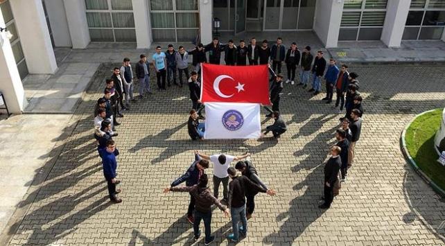Minik karatecilerden Mehmetçiğe destek