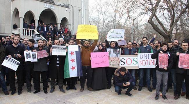 Suriyeli sığınmacılardan Doğu Gutaya yardım çağrısı