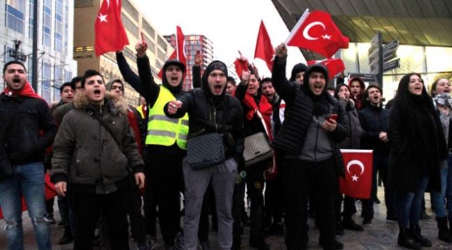 Hollanda Türk Federasyonu Başkanı Murat Gedik: Hollandada yaşayan Türk toplumu geriliyor