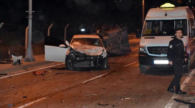İstanbul Maltepede zincirleme trafik kazası: 1 ölü, 2 yaralı
