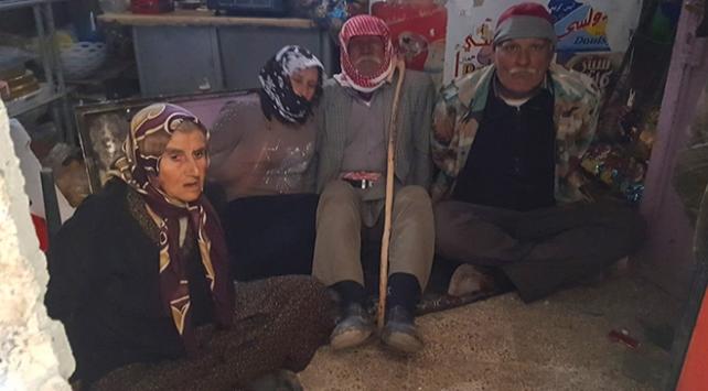 YPG/PKKlı teröristler Afrinde sivilleri canlı kalkan olarak kullandı