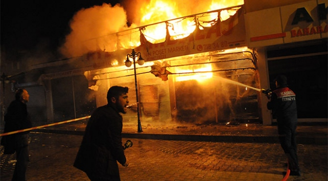 Osmaniyede 20ye yakın iş yeri yandı