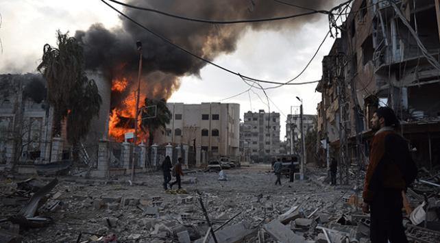 Ateşkes anlaşmasından saatler sonra Esed sivilleri hedef aldı