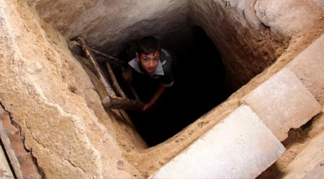 Doğu Gutada bombalardan kaçabilenler açlıkla karşı karşıya
