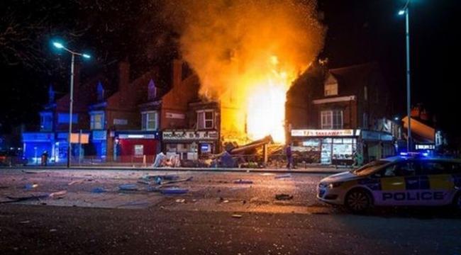 İngilterede bir binada patlama