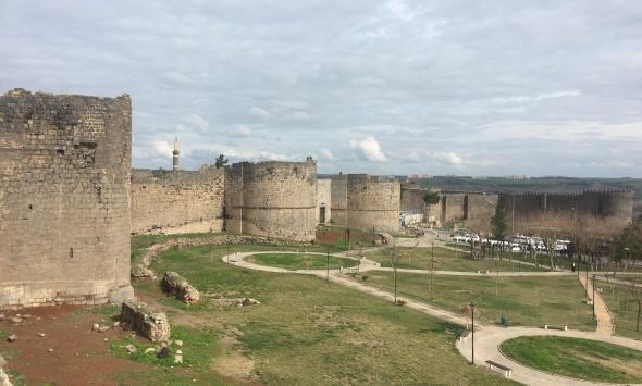 UNESCO durdurdu, Diyarbakır surlarında restorasyon yapılamıyor