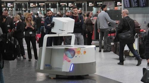 """THY yolcularının bagajlarını robot """"Leo"""" taşıyacak"""