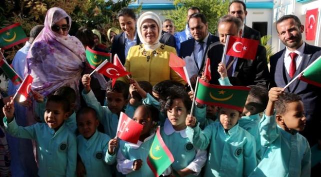 Emine Erdoğandan, Moritanyada Maarif Okuluna ziyaret