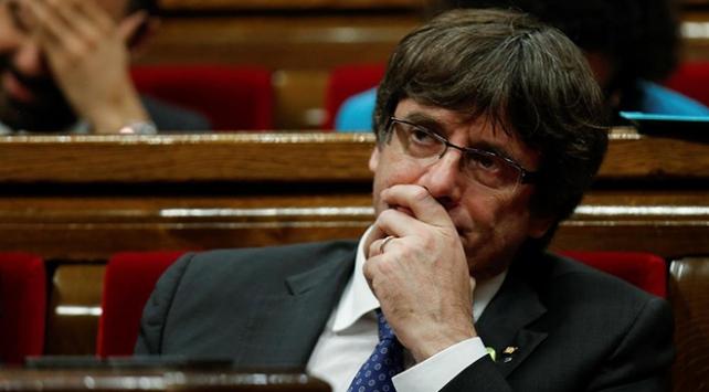 Carles Puigdemont adaylıktan çekildi