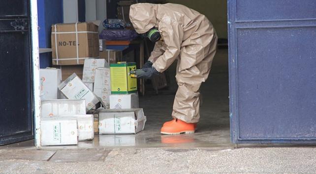 Kargo aracına tarım ilacı döküldü: 14 işçi zehirlendi