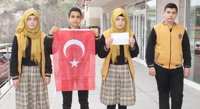 Lise öğrencileri TSKya harçlıklarını bağışladı