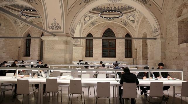 """İstanbulda """"Kütüphanede Bir Gece"""" etkinliği düzenlendi"""