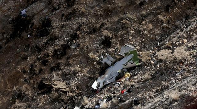 İranda düşen özel Türk uçağının kara kutusu bulundu