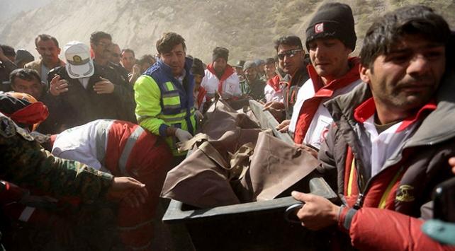 Ulaştırma Bakanlığı: İranda düşen uçaktaki 11 kişinin cenazelerine ulaşıldı