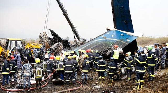 Nepalde Bangladeşe ait yolcu uçağı düştü