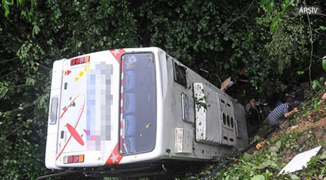 Hindistanda otobüs kazası: 13 ölü, 11 yaralı