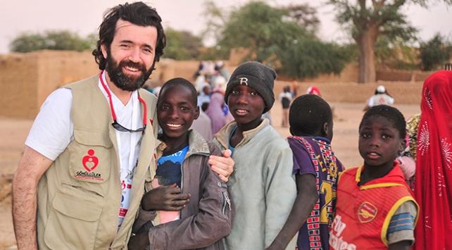 """""""Bir daha asla"""" dediği Afrikaya 23 kez gitti"""