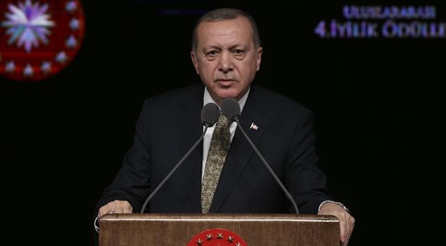 Cumhurbaşkanı Erdoğan: Birileri bizi sapık din ihtiyaçlarına mahkum etmeye çalışıyor