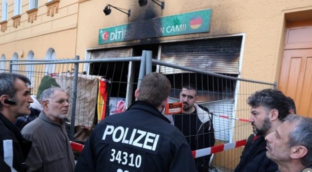Alman hükümeti İslam düşmanlığına sesini çıkarmıyor