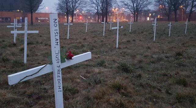 Hollanda cami saldırısının tartışılmasını reddetti