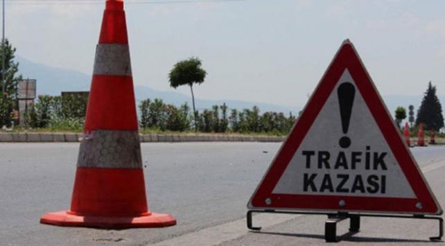 İstanbul Basın Ekspres yolunda trafiği kilitleyen kaza