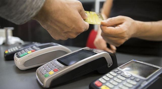 Akaryakıt istasyonlarında kartla 61,4 milyar lira harcadık