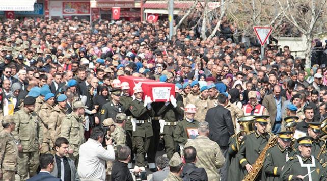 Afrin şehidi Sürmeni binler uğurladı