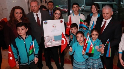 Azerbaycanlı öğrencilerden Afrin'deki Mehmetçiğe mektup