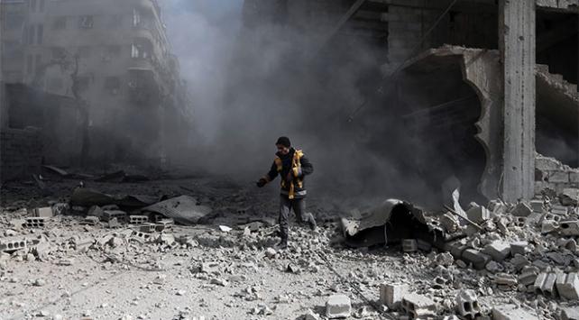 Doğu Gutada pazar yerine hava saldırısı: 61 ölü
