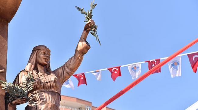 """Mersinde """"Zeytin Dalı Anıtı"""" açıldı"""