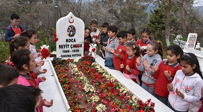 Koca Seyitin mezarı, ziyaretçi akınına uğradı