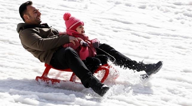 Palandökende ilkbaharda kayak keyfi