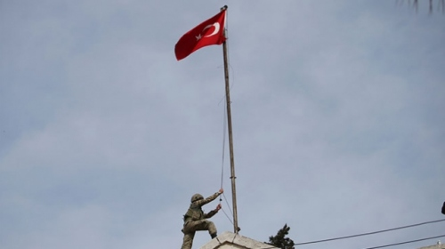 YPG/PKKnın SÖZDE yönetim binasına Türk bayrağı çekildi