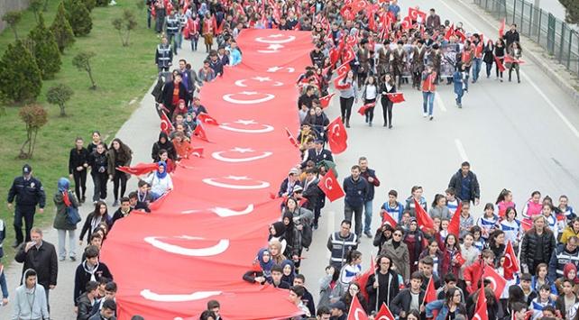 18 Mart Şehitleri Anma Günü için tüm yurtta etkinlikler yapıldı