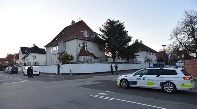 Türkiyenin Danimarka Büyükelçiliğine molotoflu saldırı