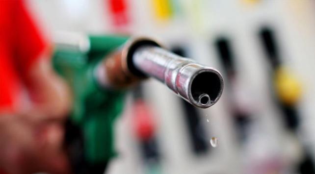Benzinin litre fiyatında 15 artış