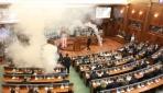 Kosovada muhalif vekillerden gaz bombası