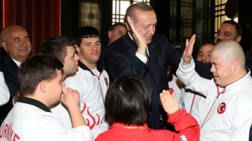 """Cumhurbaşkanı Erdoğan """"Özel"""" konuklarını kabul etti"""