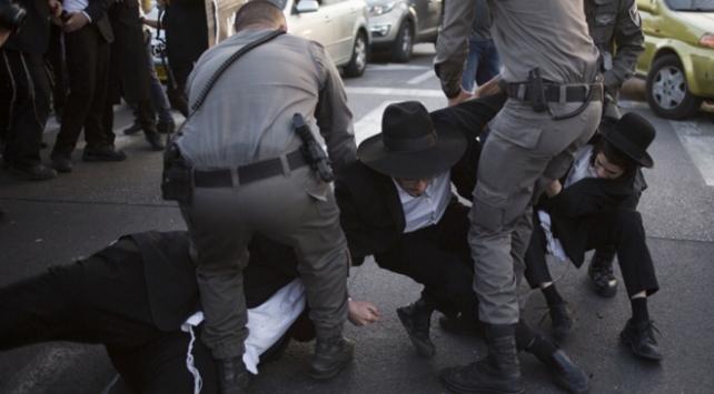 İsrailde zorunlu askerlik gerginliği devam ediyor