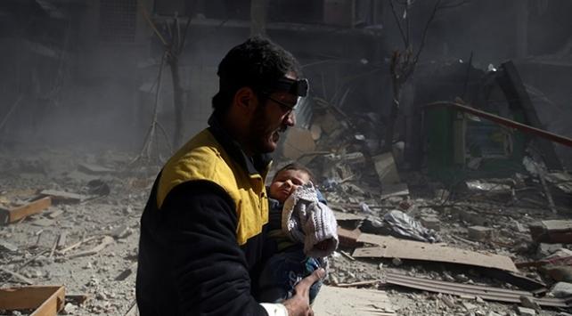 Doğu Gutadan tahliye edilen ilk kafile İdlibe ulaştı