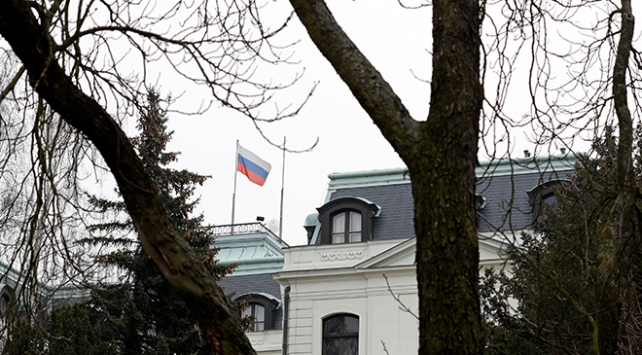 Çekya, 3 Rus diplomatı sınır dışı etti